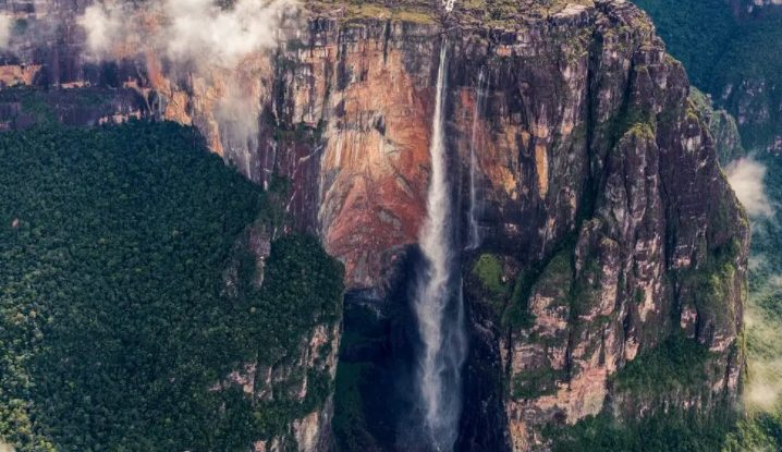 7 Record Breaking Natural Wonders Around The World