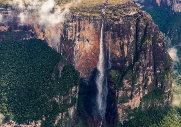 7 Record-Breaking Natural Wonders Around The World