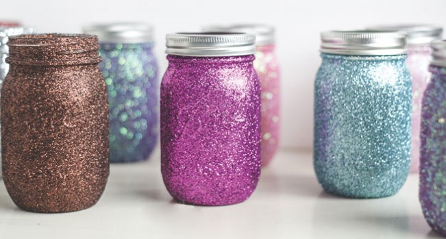 10 Fun Mason Jar Crafts For Your Home